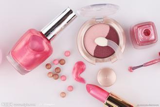 化妆品对女性牛皮癣患者会造成哪些伤害